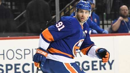 Islanders center John Tavares skates against the Capitals
