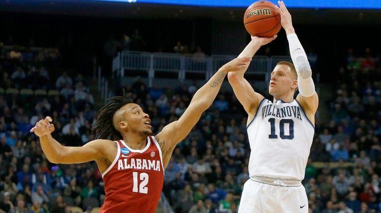 Saturday's men's basketball roundup: Villanova, Duke easily advance