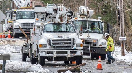 PSEG crews work March 8 to restore power