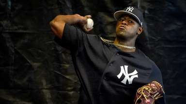 Yankees Luis Severino throws a Bullpen session on