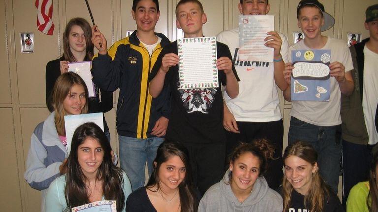 Massapequa students write to soldier