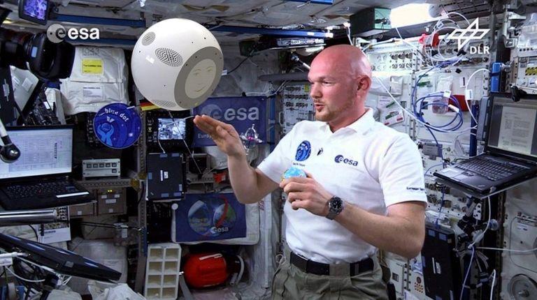 ESA astronaut Alexander Gerst and the CIMON assistance