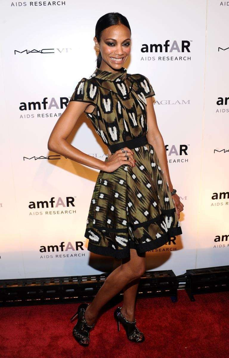 Actress Zoe Saldana attends the amfAR (American Foundation