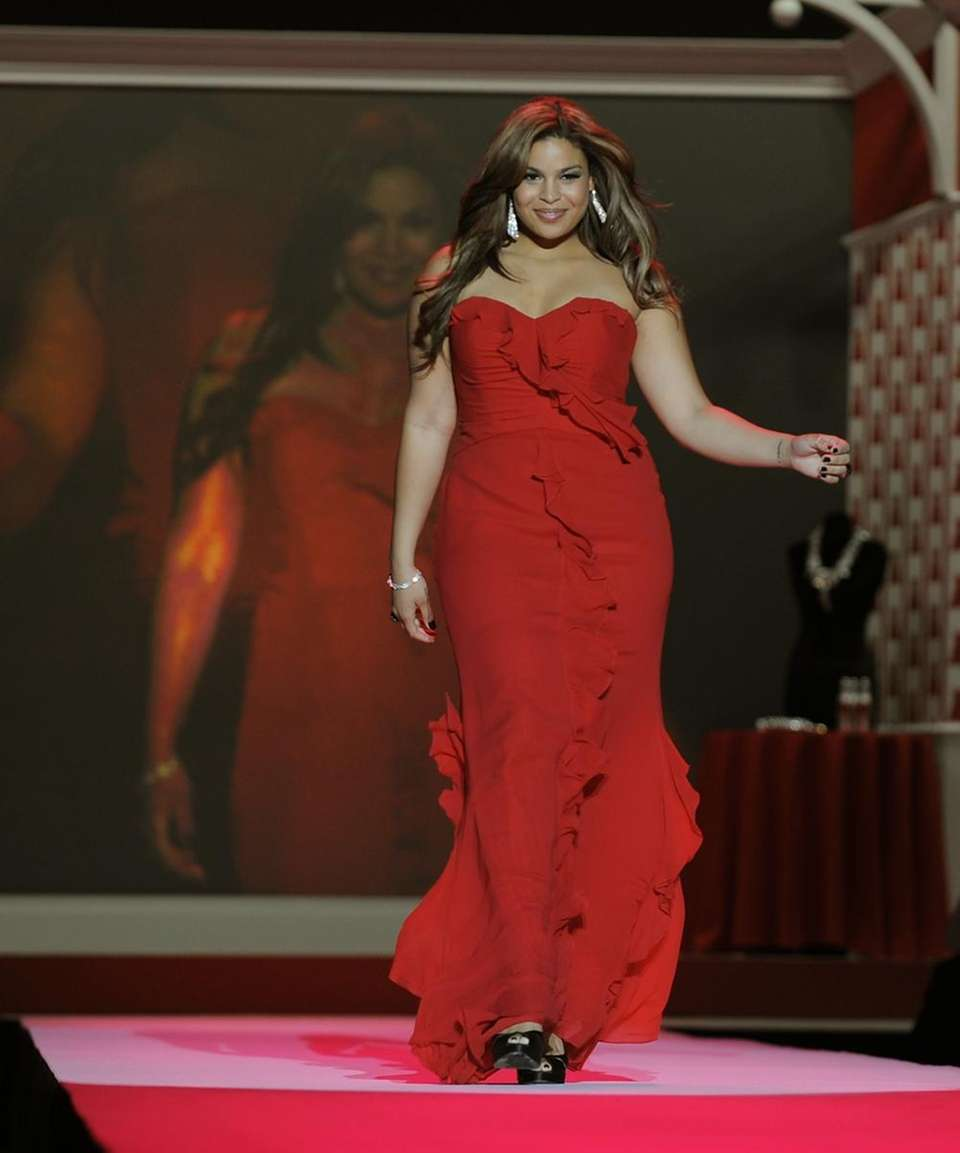 Jordin Sparks models fashions in the Heart Truth