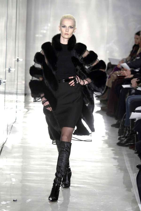 A look from the Chado Ralph Rucci Fall