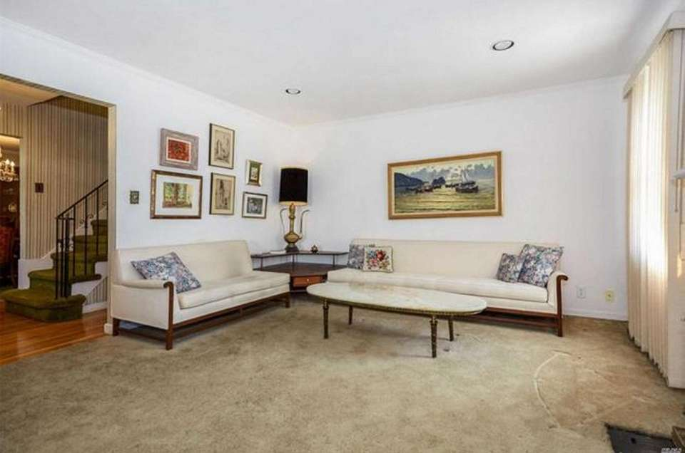 The living room in this Rockville Centre Cape