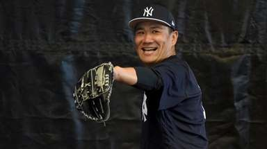 Yankees starter Masahiro Tanaka throws a bullpen session
