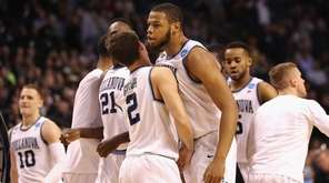 Omari Spellman of the Villanova Wildcats celebrates with