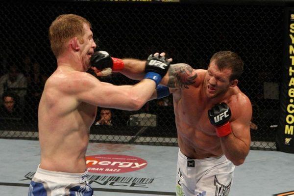 Ryan Bader unloads on Eric Schafer at UFC