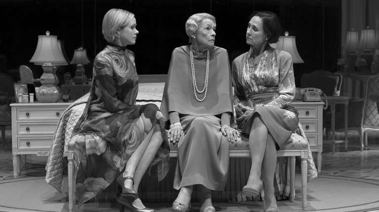 Alison Pill, Glenda Jackson and Laurie Metcalf star