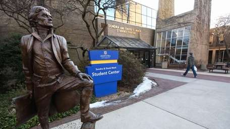 A statue of Thomas Jefferson at Hofstra University.