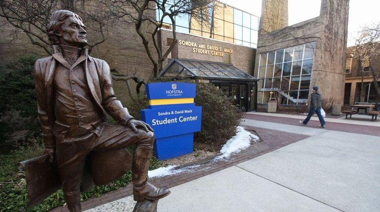 A statue of Thomas Jefferson at Hofstra University.
