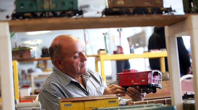 Hobbyists Buy And Sell At Long Island Model Train Swap Meets Newsday