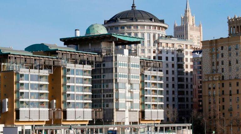 Moscow tells Britain: Cut 50 envoys in Russian Federation