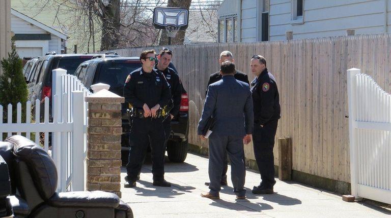 Nassau police seek 3 men in Uniondale home invasion | Newsday