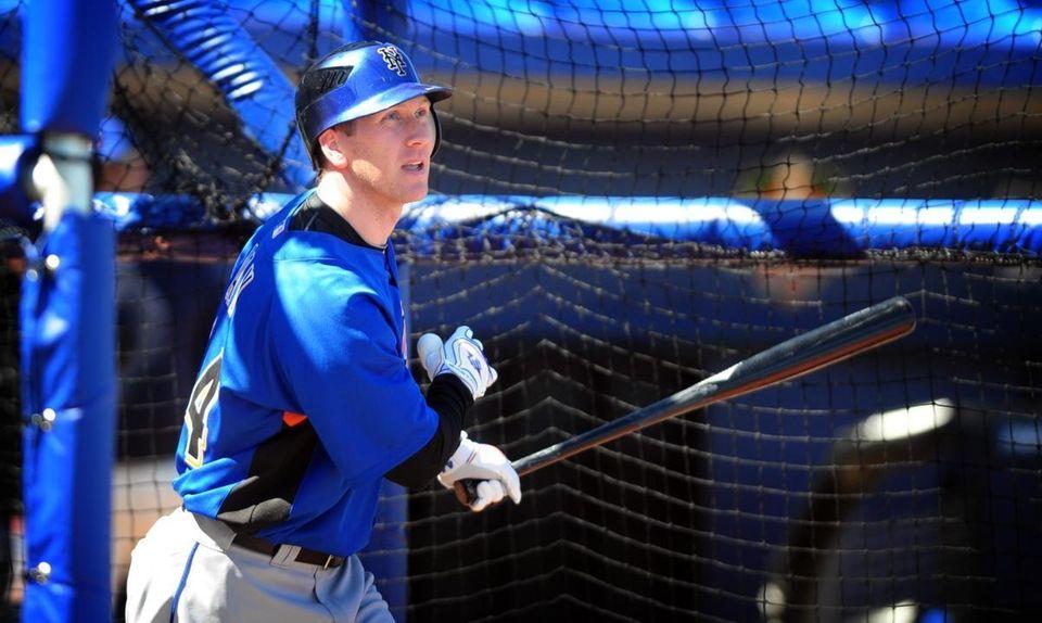 Jason Bay takes batting practice during Mets spring
