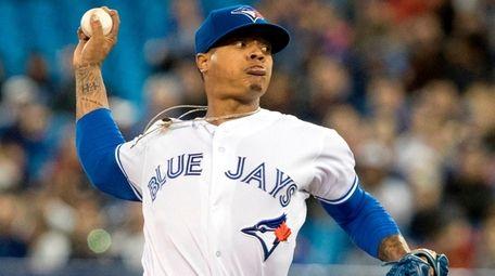 Toronto Blue Jays starting pitcher Marcus Stroman throws