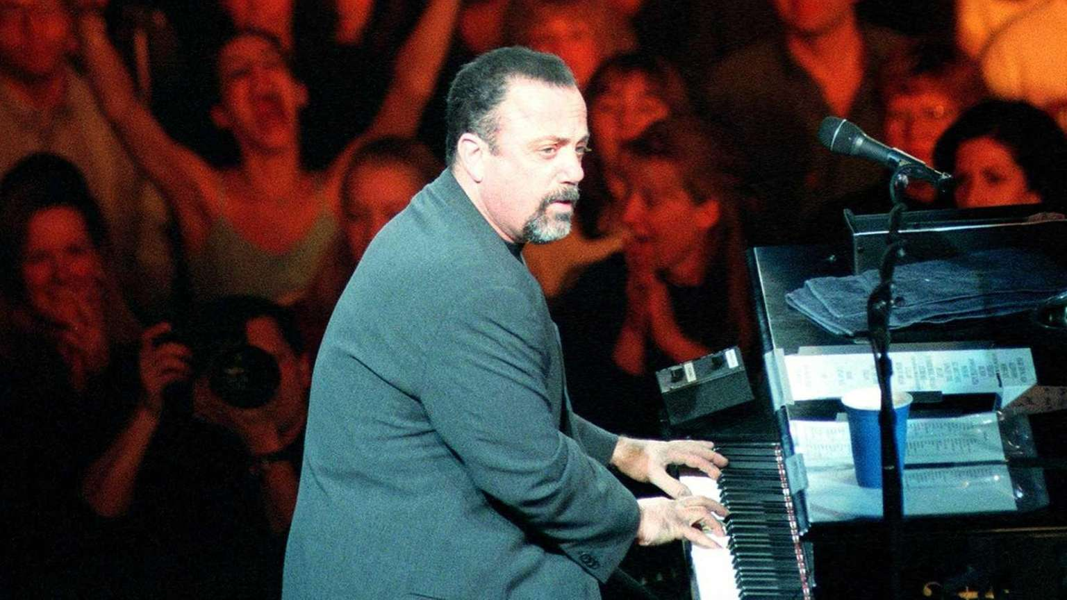 Billy Joel sells out the Coliseum