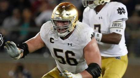Notre Dame offensive lineman Quenton Nelson against Stanford