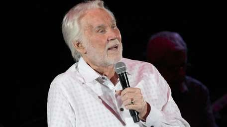 Kenny Rogers performs at the Travis County Expo