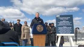 Mayor Bill de Blasio criticized Gov. Andrew M.