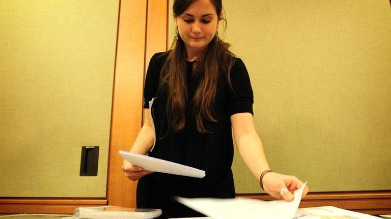 Hofstra student Emily Miethner runs a