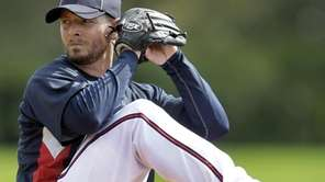 Atlanta Braves pitcher Billy Wagner throws batting practice