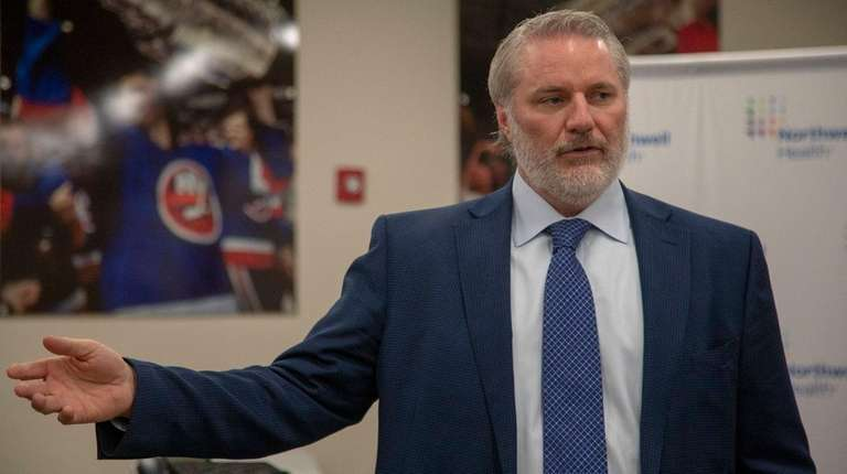 Islanders GM Garth Snow speaks about the new