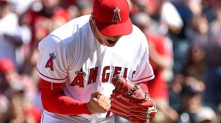 Shohei Ohtani #17 of the Los Angeles Angels