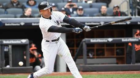 Yankees' Giancarlo Stanton strikes out swinging against
