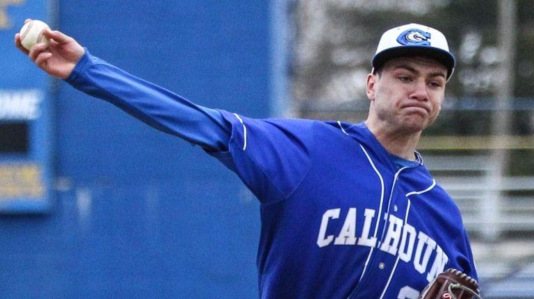 Preston Reitz of Calhoun closed out the 5-4