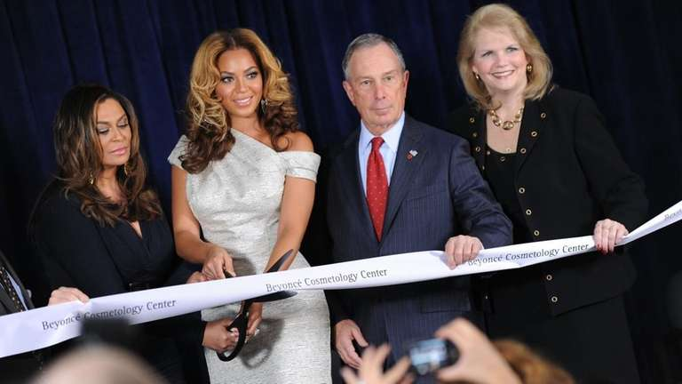 Tina Knowles, left, Beyonce Knowles, Michael Bloomberg and