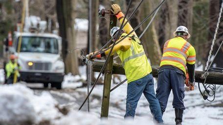 PSEG Long Island workers restore power on March