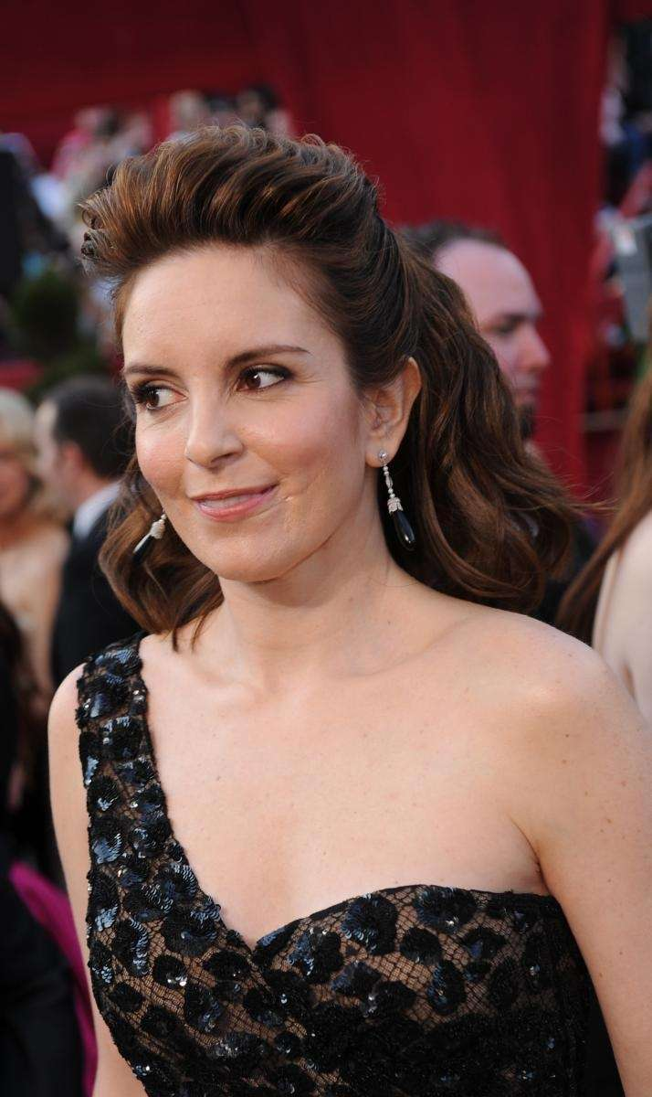 Actress Tina Fey arrives at the 82nd Academy