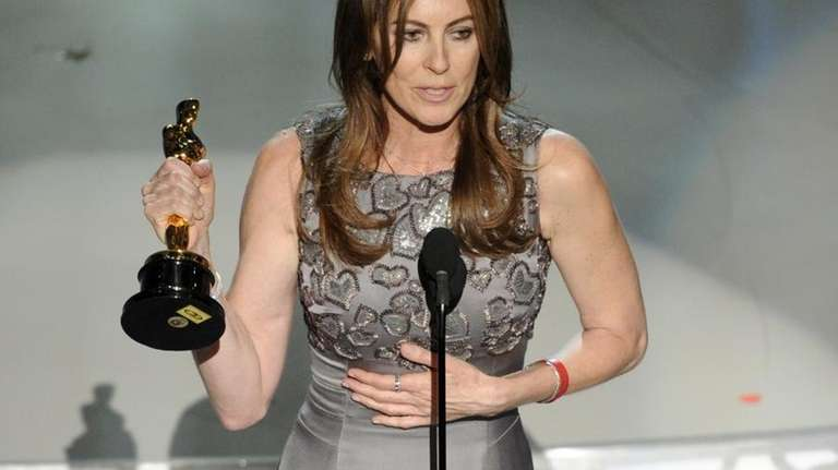 Kathryn Bigelow accepts the Oscar for best achievement