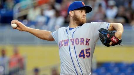 Mets' Zack Wheeler throws during the first inning