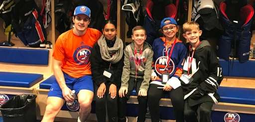 Islanders center Mathew Barzal meets with Kidsday reporters