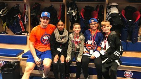 Islanders center Mathew Barzal meets with Kidsday reporters
