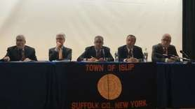 More than 100 Sayville and neighboring residents voicedconcerns