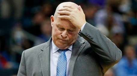 Steve Clifford reacts after a loss to the