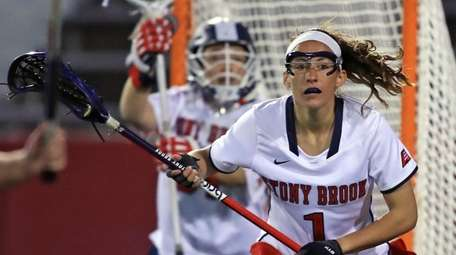 Stony Brook's Carolyn Carrera plays defense in front