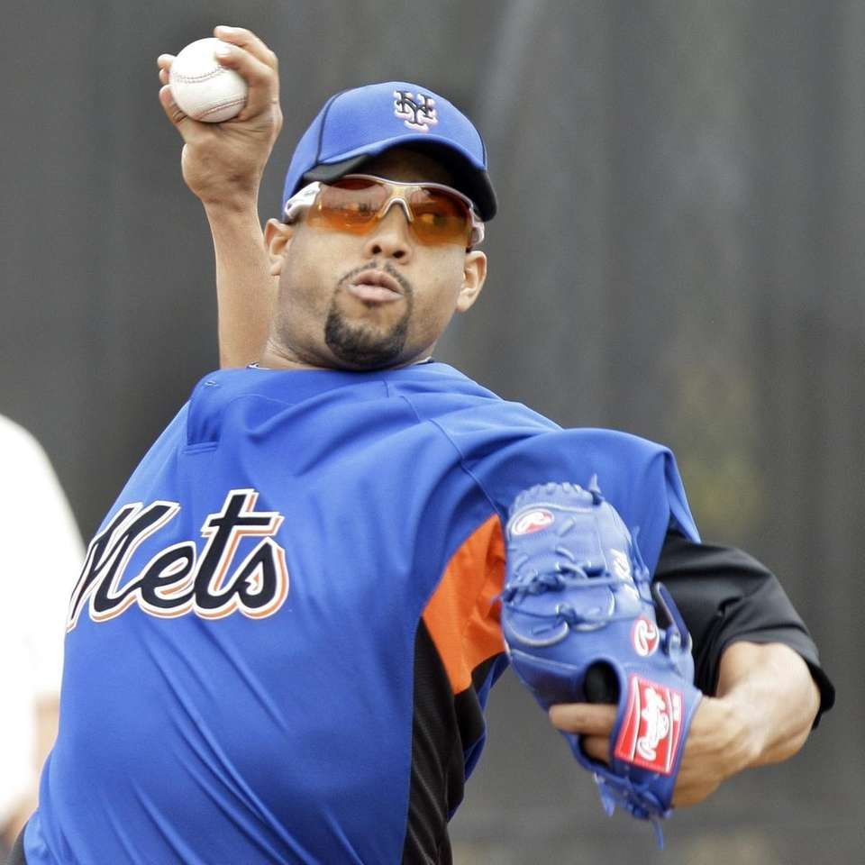 New York Mets pitcher Francisco Rodriguez throws from