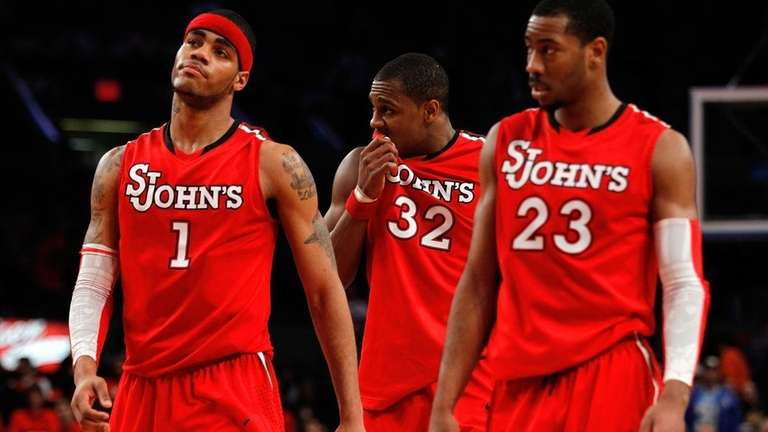 D.J. Kennedy #1, Justin Brownlee #32 and Paris
