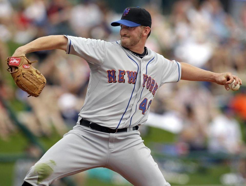 Mets starter Jonathon Niese throws during a spring