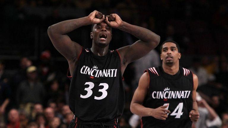Cincinnati's Lance Stephenson reacts late in his team's