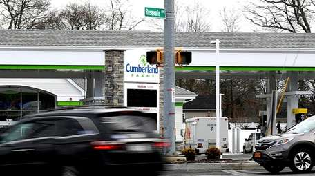 Nesconset residents worry about traffic from new convenience