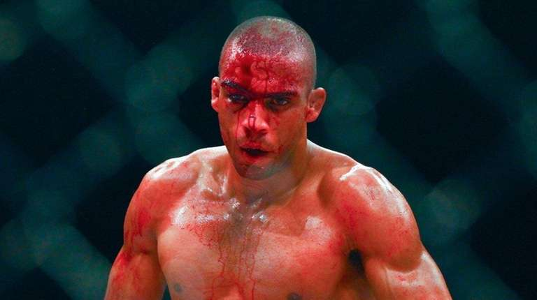 Edson Barboza faced Tony Ferguson in a lightweight