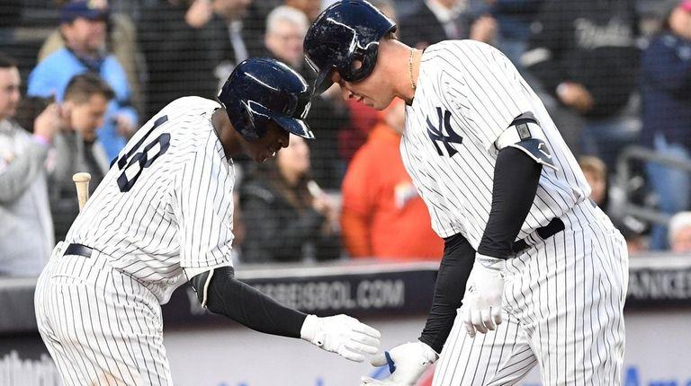 New York Yankees shortstop Didi Gregorius greets Yankees