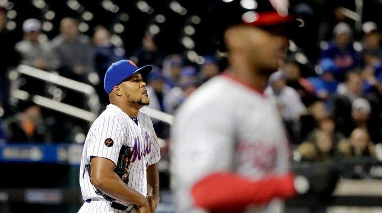 Mets reliever Jeurys Familia walks Michael A. Taylor