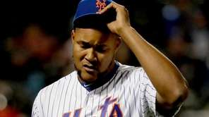 Mets relief pitcher Jeurys Familia (27) leaves the